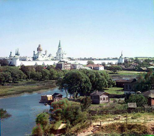 678px-Alexandrov_Kremlin_01